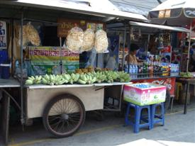 Thai food at the Amphawa floating markets