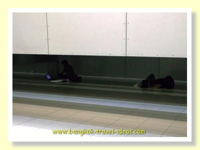 Sleeping in Bangkok Airport near the Airport Link connection