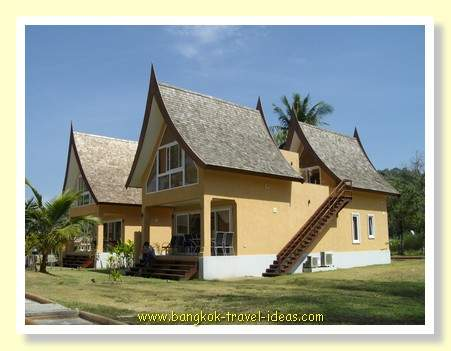 Thai holiday house available for sale right on the beach in Koh Chang