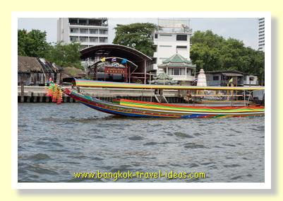 Bangkok boats powered by V8 engines