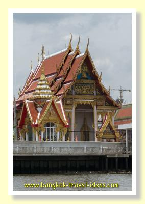 Thailand Buddhist Temple on the banks of the Chaophraya River