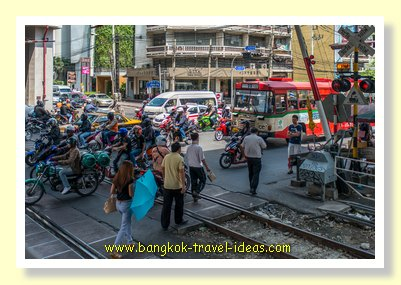 Pratunam train tracks underneath the Airport Rail Link at Phaya Thai