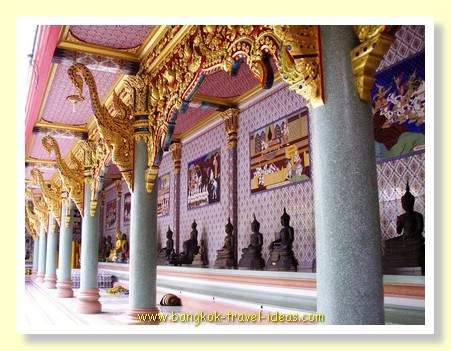 Thailand Buddhist Temple cloisters