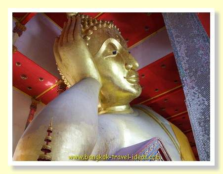 Wat Bang Phli Yai Nai reclining Buddha image