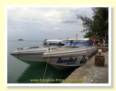 Kai Bae Hut speedboats ready to go to Koh Mak and Koh Kood