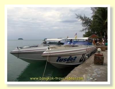 Kai Bae Hut speedboats ready to go to Koh Mak and Koh Kood