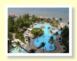 Hilton Hua Hin swimming pool