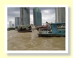 Bangkok river cruise on the Chaophrya River