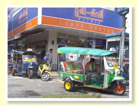 Bangkok tuk tuk opposite Platinum Fashion mall in Pratunam