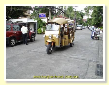 Bangkok tuk tuk on Sukhumvit soi 8 taking guests to the main Sukhumvit Road