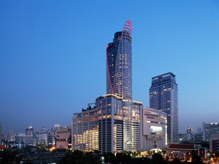 Centara Grand at Central World is ideally placed for up market shopping expeditions