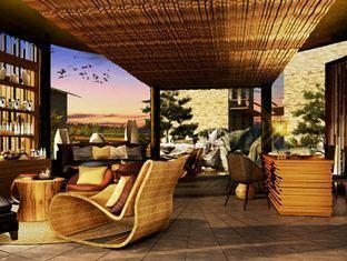 Centara Grand Resort Mirage Beach Hotel relaxation area