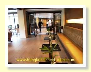 The Cottage Suvarnabhumi Airport hotel lobby area