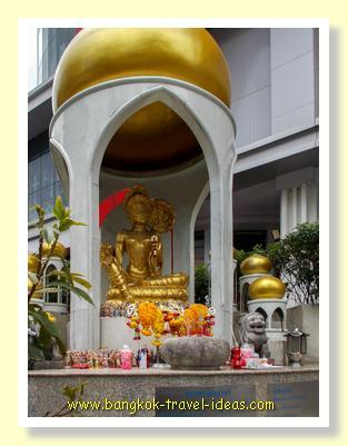 Buddha image at Ratchaprasong