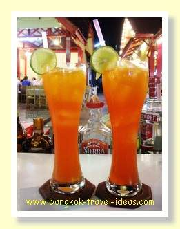 Hua Hin night market cocktails