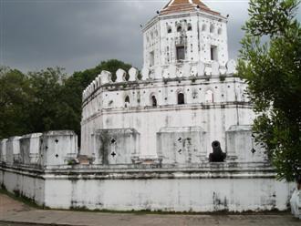 Phra Sumane fort in Banglamphu