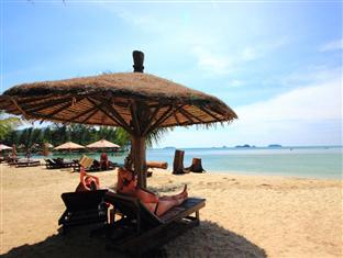 Beaches near Bangkok can be reached in a couple of hours by bus or car