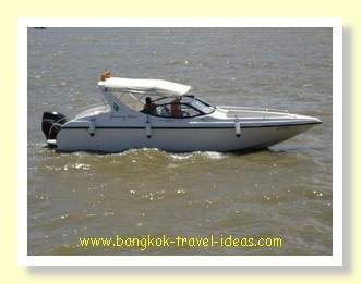 Jimmy's boat tours use speed boats similar to this