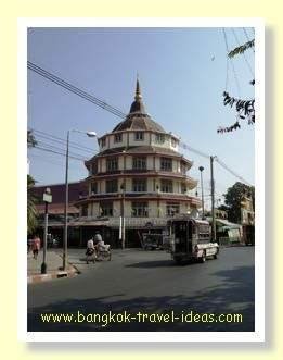 Circular building in the grounds of Wat Payap