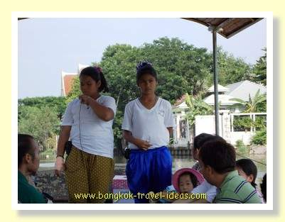 Kwan Riam Floating market tour guides