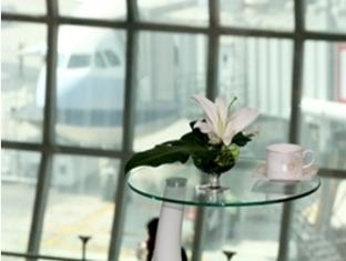 Rent Louis' Tavern Day Rooms in Bangkok Airport