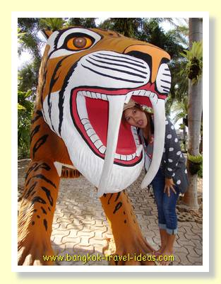 Nong Nooch sabre toothed tiger