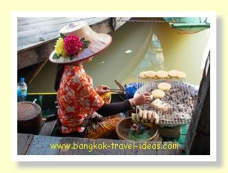 Pattaya floating market food vendor