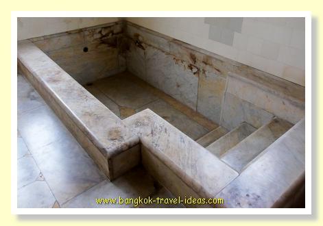 Old marble bath in Phaya Thai palace