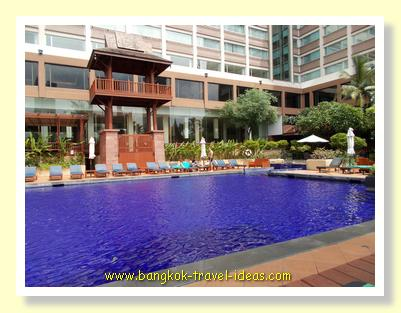 Swimming pool at the Ramada Menam, Bangkok