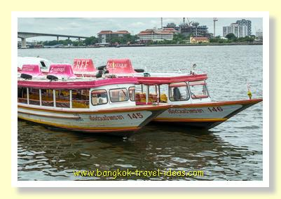 Asiatique river boats