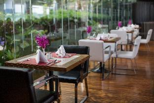 Stay in Bangkok at the hotels on the Chao Phraya River