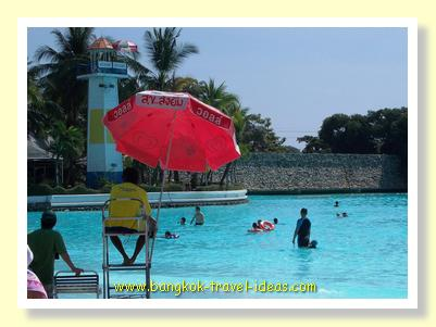 Larger wave pool at Siam Park City theme park