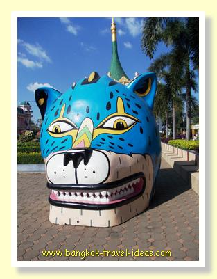 Theme park attractions abound at Suan Siam