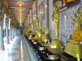 Buddha images at Wat Bang Phli Yai Nai
