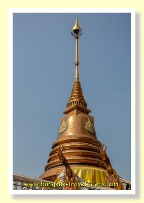 Golden Chedi at Wat Hua Lamphong Bangkok