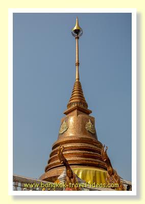 Golden Chedi at Wat Hua Lamphong Bangkok