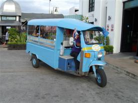 Bang Pu tuk tuk from the car park to the dance hall