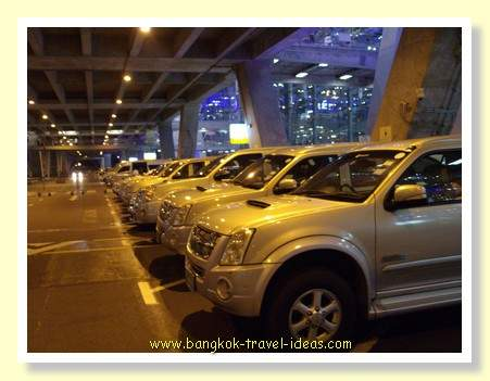 Airport transfer to Bangkok via AOT Limousine car
