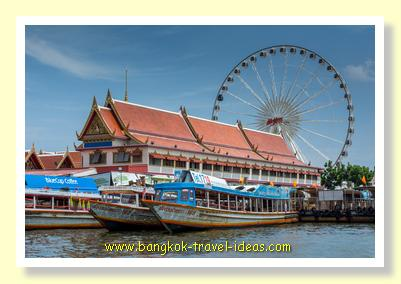 Ferris wheel at Asiatique