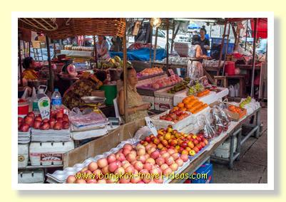Nonthaburi market outside Bangkok