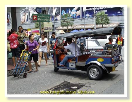 Bangkok tuk tuk in Pratunam shopping area