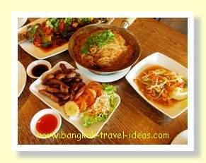 Lunch at the Bangkok Seafood Restaurant at the Paseo Mall