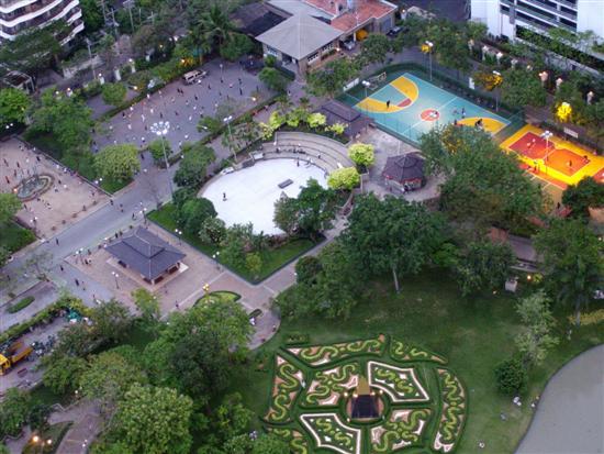 benjasiri park from the air