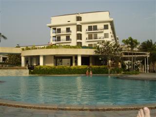 Pattaya Dusit swimming pool