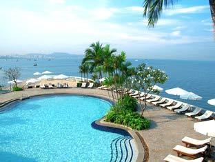 Swimming pool overlooking Pattaya Bay at the Dusit Thani
