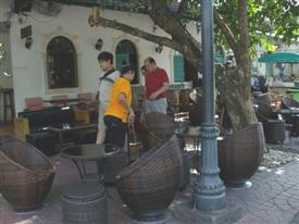 Khaosan Road pub and outside seating area in Banglampoo