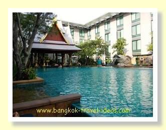 Swimming pool at the Novotel Bangkok Suvarnabhumi Airport Hotel