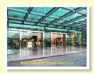 Entrance to the Novotel Bangkok Suvarnabhumi Airport Hotel