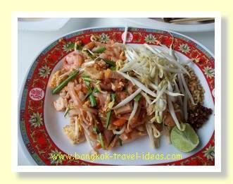 Pattaya floating markets fresh Thai food