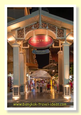 Shopping at Asiatique nightmarket